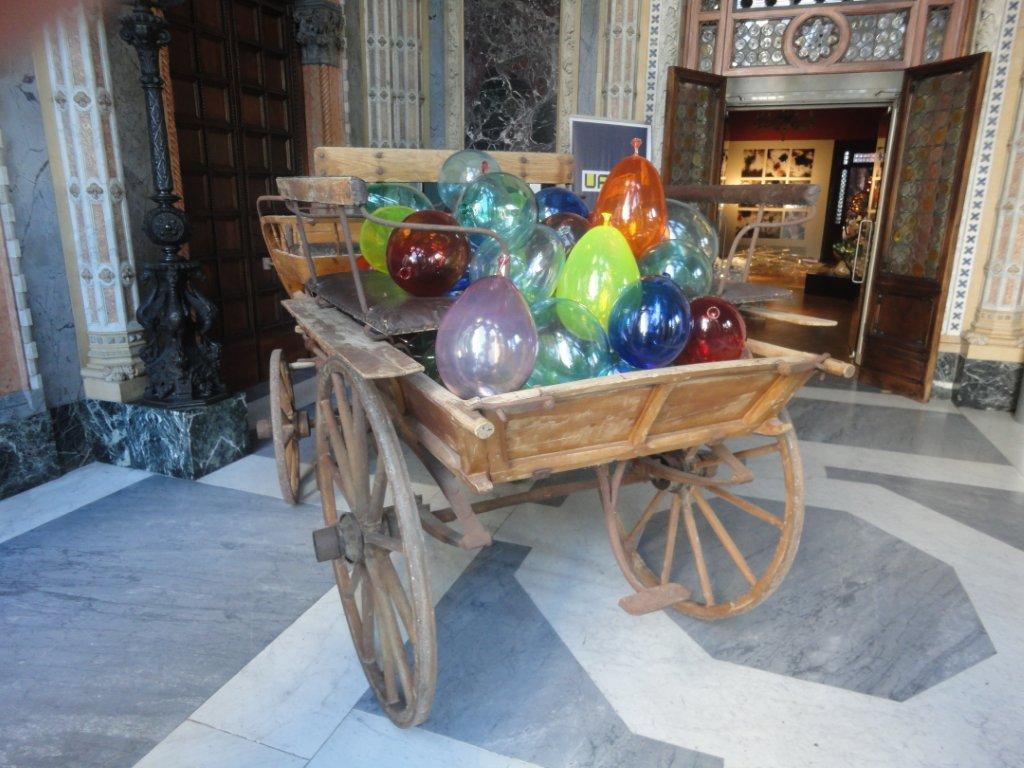 Biennale- Glasballons