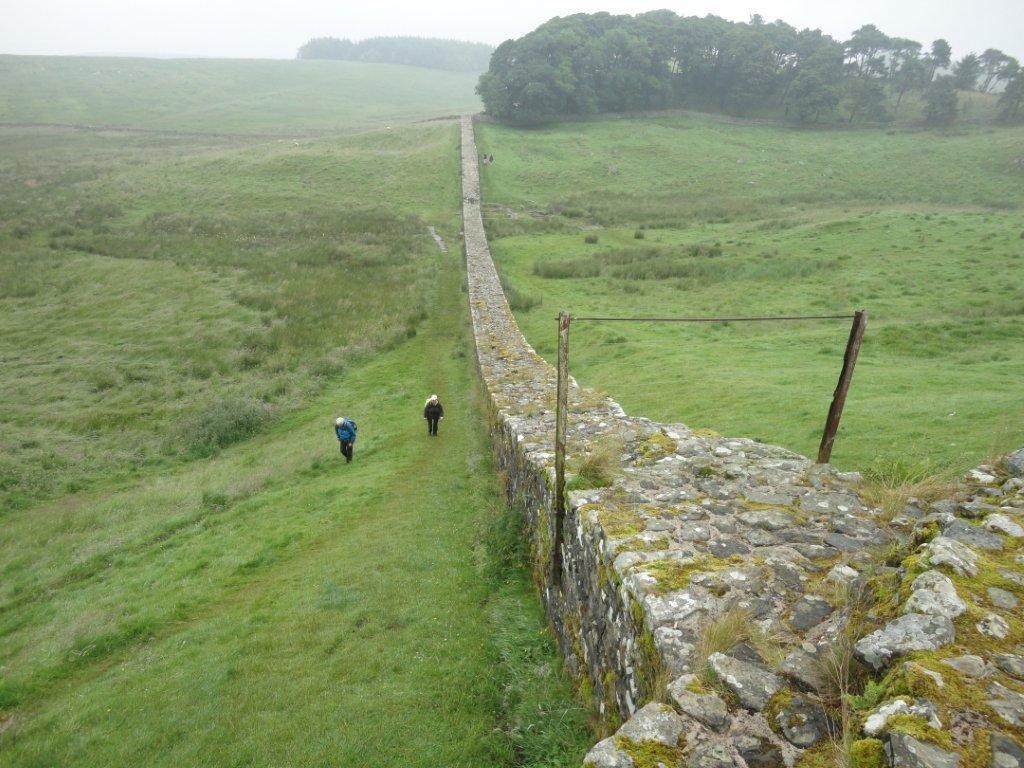 Zum Thema Grenzen- handrianswall_Schottland